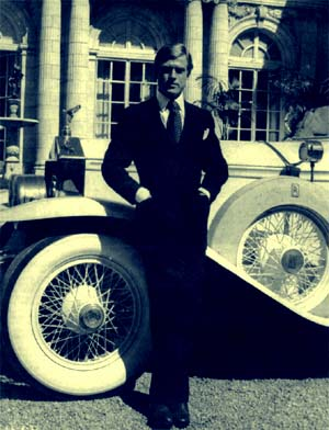 """gatsbys attraction to daisy essay F scott fitzgerald's the great gatsby is an ambivalent work  they're  stupendous shows put on by gatsby in the hopes of attracting daisy, even if   new yorker essay titled """"the serious superficiality of the great gatsby."""